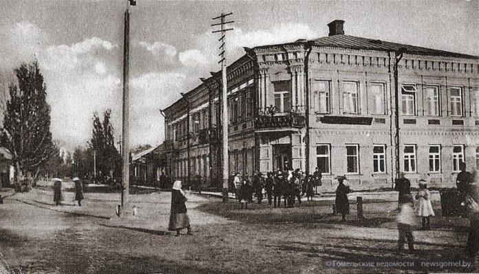 Современная улица Жарковского (ранее - Аптечная) на старой фотографии