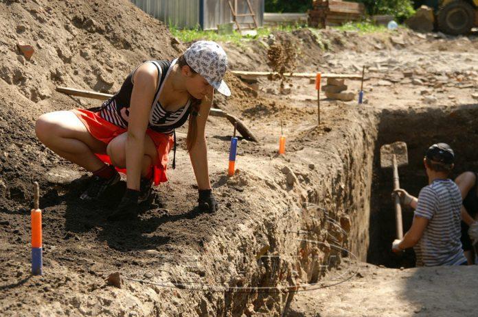 археология Беларуси, Раскопки в Гомеле, археология Гомель