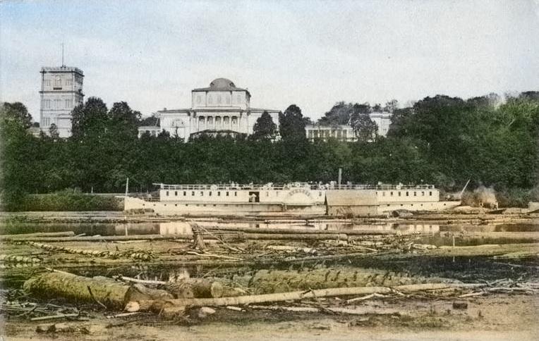 Гомельский дворец в цвете и его вид с реки