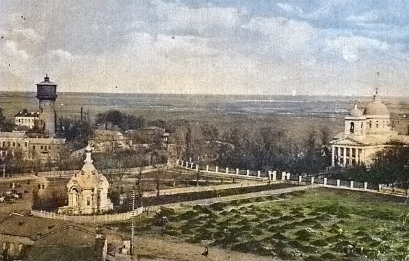 Старая Базарная площадь в Гомеле в цвете