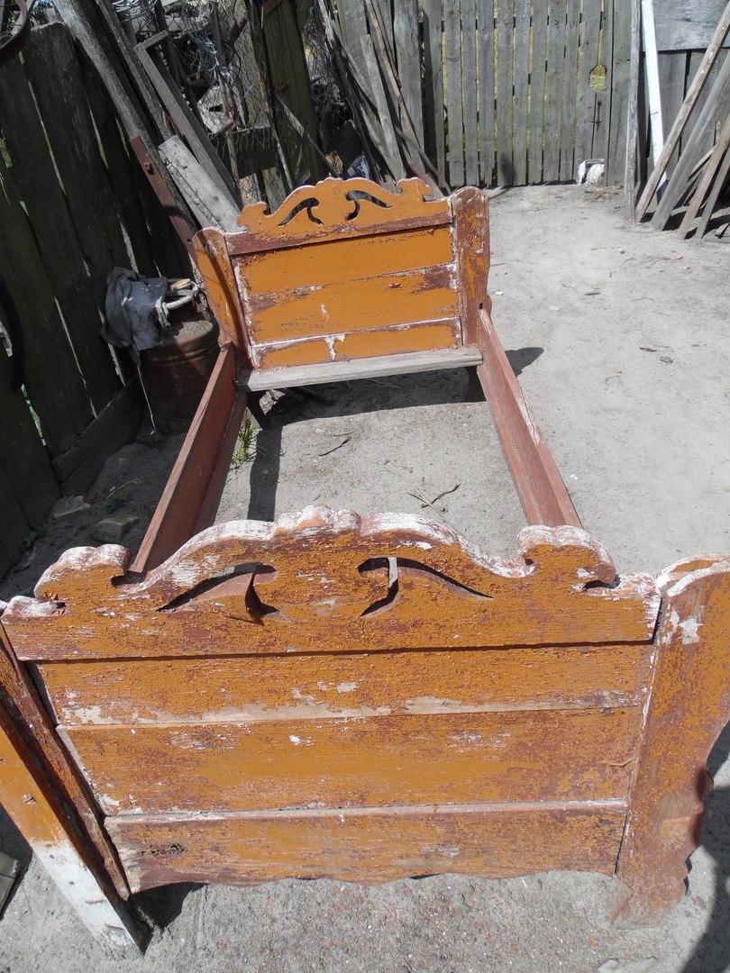 Стары ложак, старая кровать