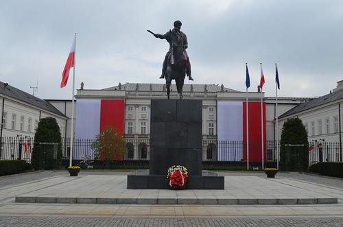 Статуя Юзефа Понятовского в Варшаве
