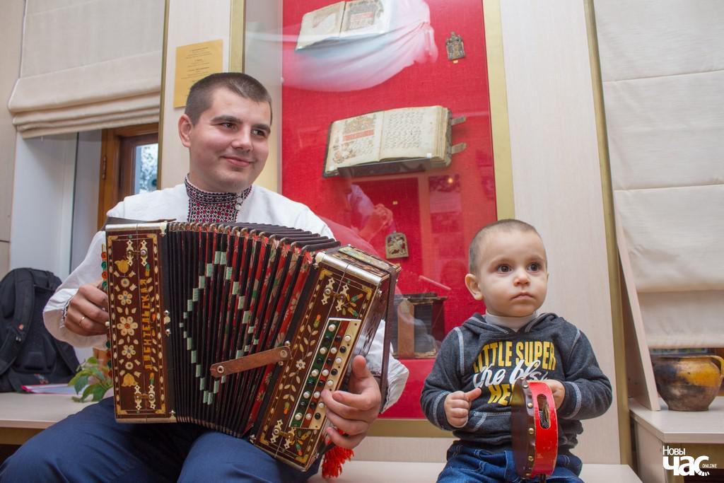 Беларускі гарманіст і яго сын