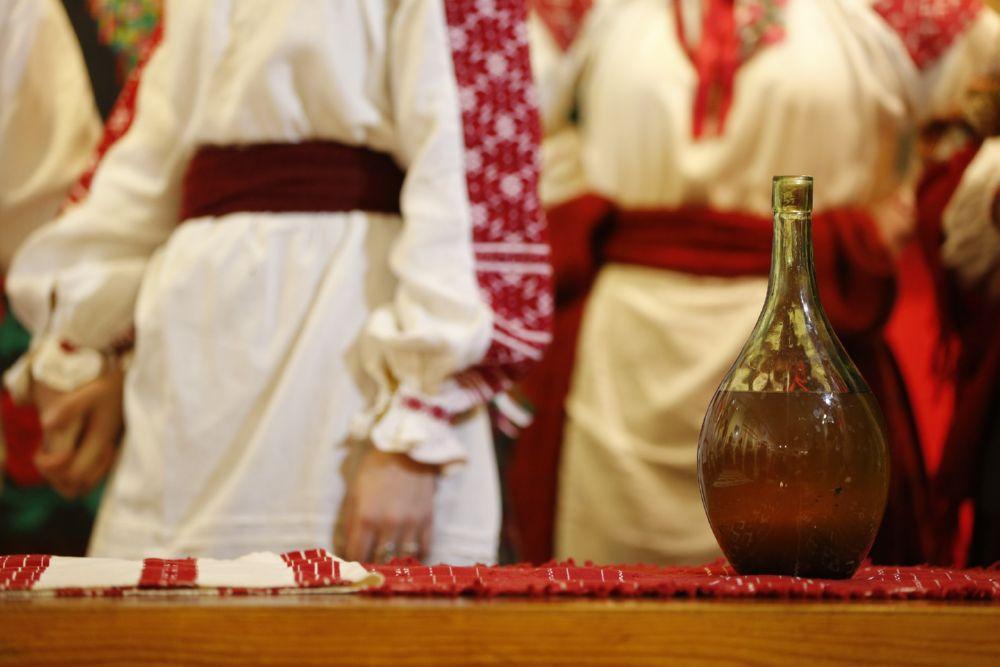Бутыль на беларусской свадьбе