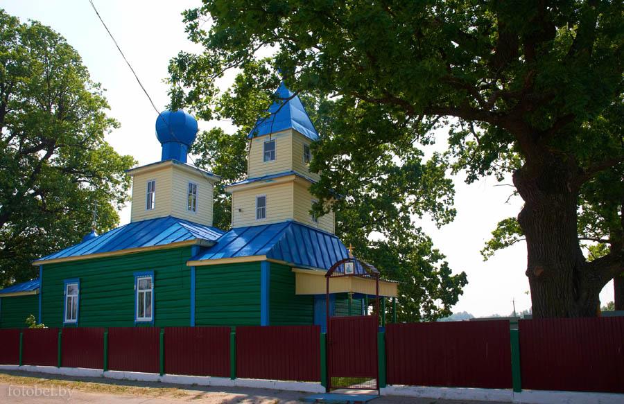 Храм в деревне Боровое Лельчицкого района