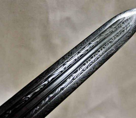 Мечи булатные и кованая сталь в мастерской Гомеля