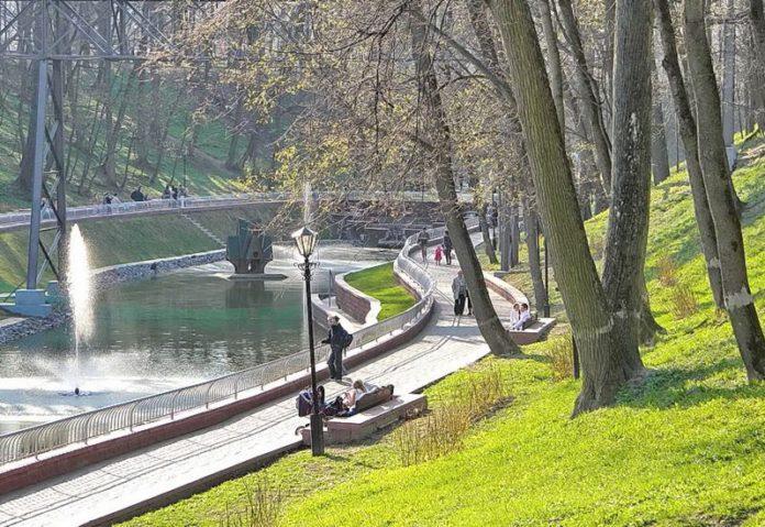 Гомельский парк пруд