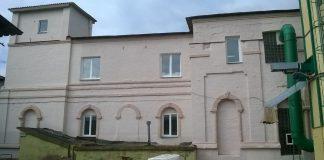 Усходнi фасад забыты храм Гомель