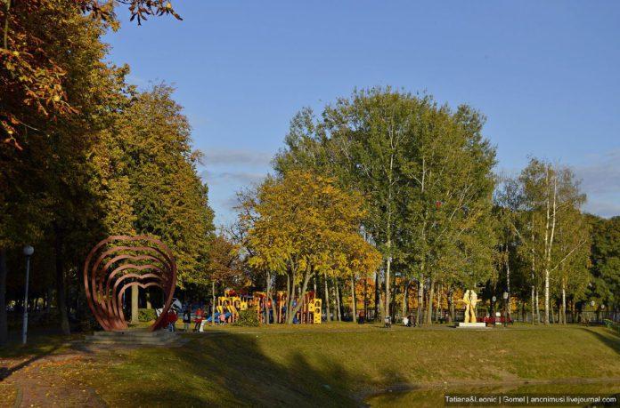 парк Фестивальный в Гомеле
