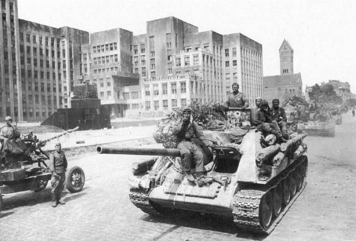 Першае святкаванне на Гомельшчыне Дзень вызвалення Беларусі