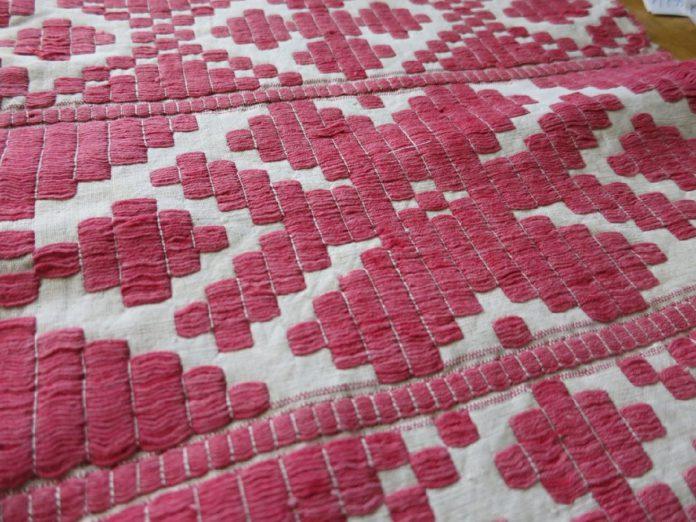 Народное ткачество и вышивка Восточного Полесья как предмет исследования