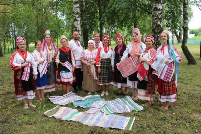 Летнік традыцыйнага ткацтва ''Кросенцы'' у в. Неглюбка