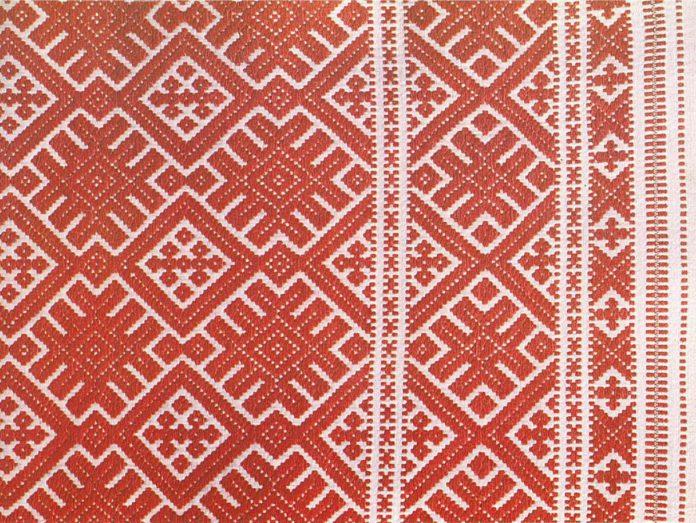 Особенности белорусского традиционного женского костюма Западного и Восточного Полесья